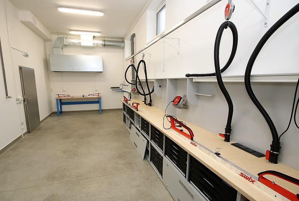 Nové servisní centrum pro přípravu lyží