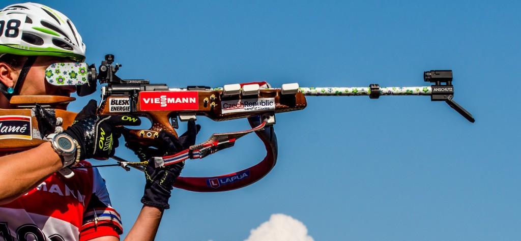 Veronika Vítková vyhrála před rokem v Letohradu stíhací závod... I díky dvěma bezchybný položkám vstoje