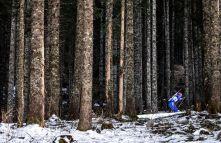 Po chybách v úvodu závodu se Ondřej Moravec na trati ocitl sám, bez kontaktu s ostatními soupeři. Foto: Český biatlon, Petr Slavík