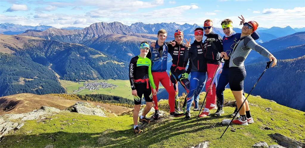 Na hřebenech Karnských Alp, v pozadí Obertilliach