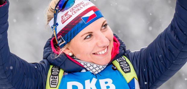 Zase ten Hochfilzen. Charvátová si dojela ve sprintu pro 6. místo, Jislová 17.