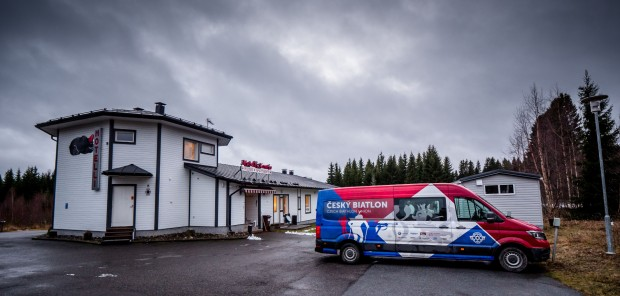 První skupina českých biatlonistů dorazila do Kontiolahti. Tratě jsou zatím zavřené