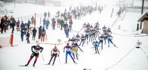 Smíšené štafety při IBU Cupu v Arberu na devátém a jedenáctém místě