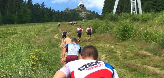 Čeští biatlonisté se zapojili do Tygří výzvy. Ve výběhu na Ještěd byl nejrychlejší Štvrtecký