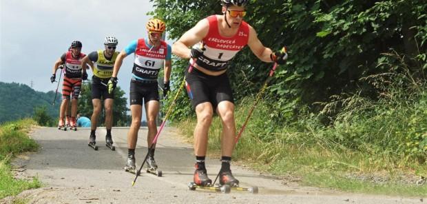 Čeští biatlonisté si zajeli klasickou třicítku na Valašsku: Karlík druhý, Štvrtecký třetí