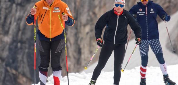 Opět na ledovci. České biatlonistky lyžují v Rakousku na kilometrovém okruhu