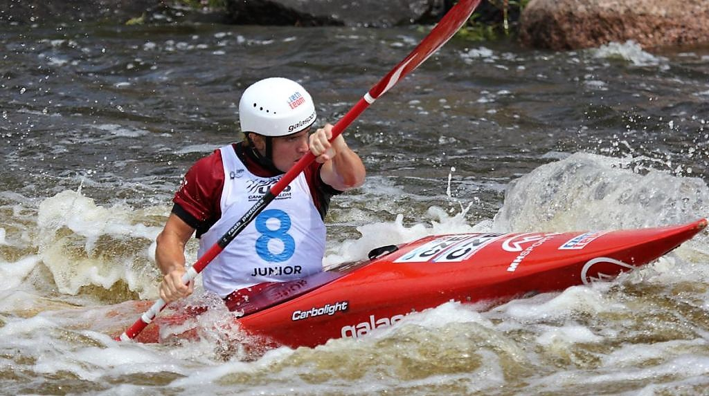 Ondřej Hošek jako vodní slalomář