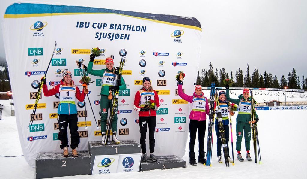 Takto slavila čtvrté místo v I. kole IBU Cupu Veronika Zvařičová.  V norském Sjusjoenu tehdy zaostala za Němkou Herrmannovou jen o 15 sekund...
