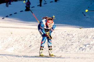Závod s hromadným startem a další parádní výkon Evy Puskarčíkové. Foto: Český biatlon, Petr Slavík